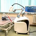 Уникальный роботизированный комплекс для лечения рака при помощи инновационной рентгеновской трубки, передается медикам для доклинических и клинических испытаний